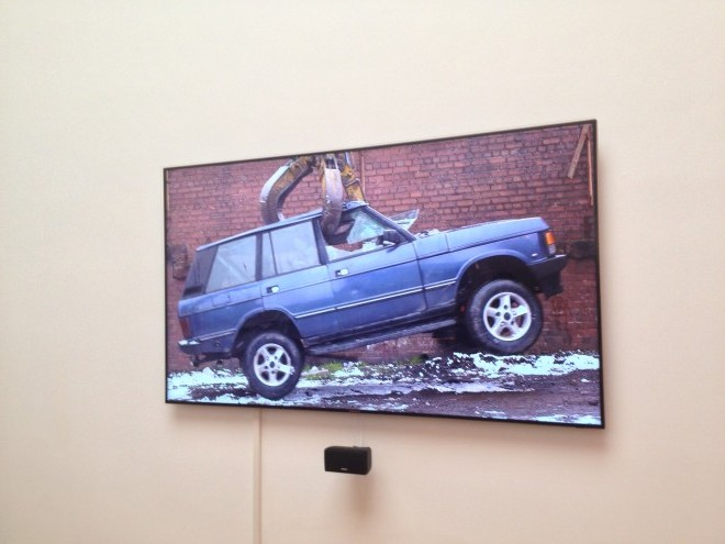 """Stills from Jeremy Deller's video """"ENglish Magic"""" at the UK Pavilion.英国国家馆中杰里米·戴勒的视频作品《英式魔力》的剧照。"""