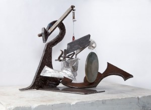 MARK DI SUVERO 马克•迪•苏沃尔 Untitled 无题, 2013 Steel, stainless steel and bronze 钢、不锈钢、铜 39 x 54 x 35 inches; 99.1 x137.2 x 88.9 cm