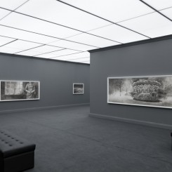 """Hans Op de Beeck: """"The Night Time Drawings"""", exhibition view, Galleria Continua, Beijing; photographs: Eric Gregory Powell; courtesy: Galleria Continua, San Gimignano / Beijing / Les Moulins 汉斯・欧普・德・贝克个展:夜画 展览现场, 摄影:艾里克,  版权:常青画廊,圣吉米那诺/北京/ 穆琳"""