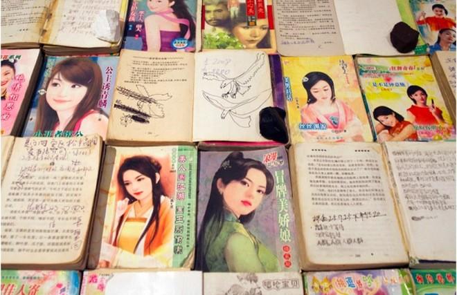 "installation detail of Liu Chuang's exhibition ""Love Story"",  刘窗《爱情故事》Salon 94 布展细节 | 所有图⽚片来源:Salon 94和艺术家!"