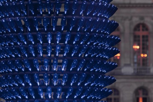 """""""Blue Champagne"""", Pommery POP Champagne bottles, metallized and thermo-lacquered iron, ultra bright LEDs, electric system (2x) 940 x 496 cm, Courtesy Haunch of Venison/Christie's, London, Work produced with the support of Vranken Pommery @Luís Vasconcelos/Courtesy Unidade Infinita Projectos 