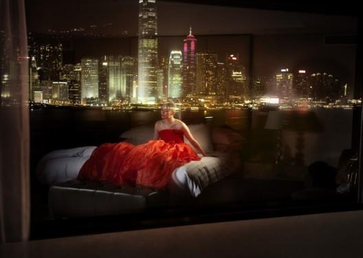 """David Drebin, """"Dreams of Hong Kong"""", 2009. Courtesy of CAMERA WORK, Berlin© David Drebin,2009年作品《香港之梦》(Dreams of Hong Kong),柏林CAMERA WORK画廊参展作品"""