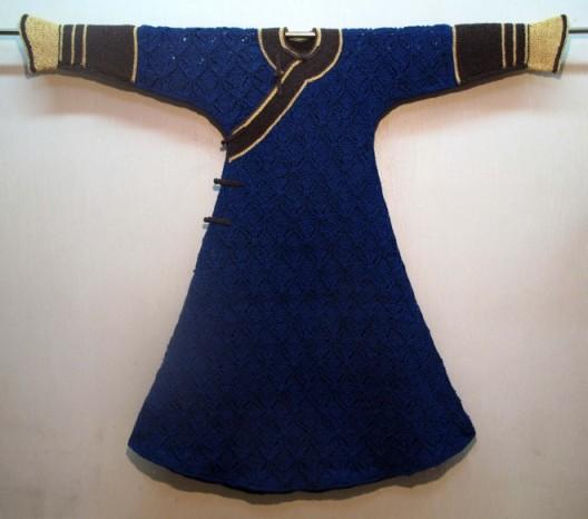 "Wang Lei, ""Colourful costume"", Rice paper, weaving, 118 x 135, 2012王雷,《五彩衣裳》,五彩宣纸搓线及编织技术,118 x 135,2012"
