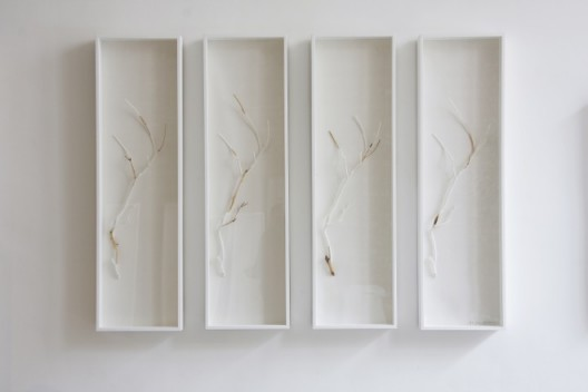 "Wei Ming, ""Restoration – Tree Branch"", Mixed media, 122 x 35 x 8 (4 pieces), 2012魏明,《修复 - 桃枝》,桃枝现成品破坏、树 脂、大理石粉、修复技术装置,122 x 35 x 8 (4 pieces),2012"