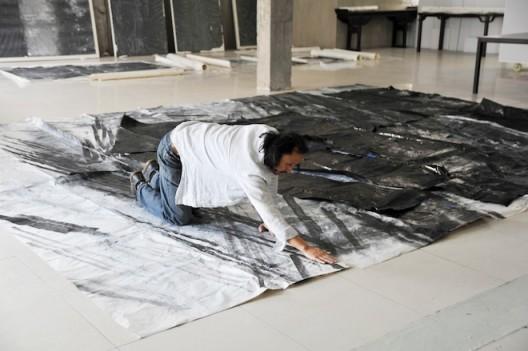 Zheng Chongbin in his studio (image courtesy Ink Studio)
