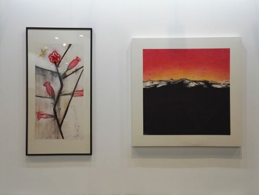 Wei Qingji, Revolution Flowers 2015 A  (left) and Sunset 2014 A (right) 魏青吉,《革命的花儿 2015 A》(左)与《晚霞 2014 A》(右)