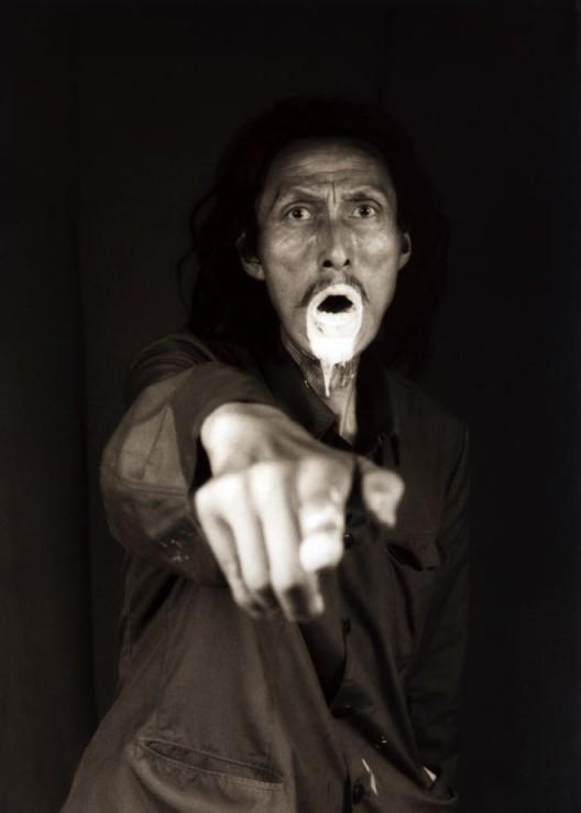 大同大张,《我看见死亡》,摄影,1998(图片由上海当代艺术博物馆提供)Datong Dazhang,