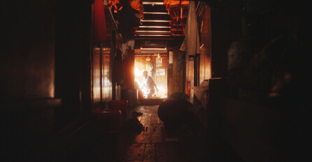 "程然,《奇迹寻踪》,剧照,2015(图片由艺术家、K11 Art Foundation, Erlenmeyer基金会,及麦勒画廊北京-卢森提供)/ Cheng Ran, ""In Course of the Miraculous"", film still, 2015 (courtesy the artist, K11 Art Foundation, Erlenmeyer Foundation and Galerie Urs Meile, Beijing-Lucerne"
