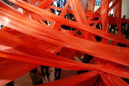 Monali Meher(荷兰),《扭》,2016年10月15日,丹麦文化中心。摄影:Joakim Stampe / Monali Meher,