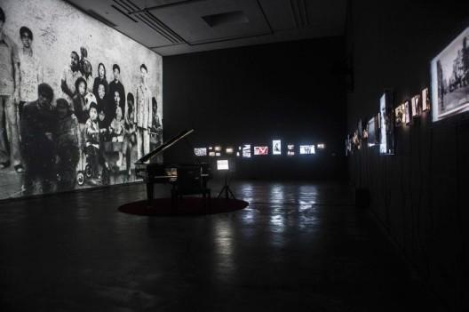 "Synchrony Hu Jie Ming solo exhibition 17/9/2016 Beijing  ""共时""胡介鸣个展 ,2016年9月17日 ,北京"