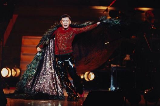 《罗文的光辉舞台》演出照 / Photo of Roman Tam's Glorious Stage
