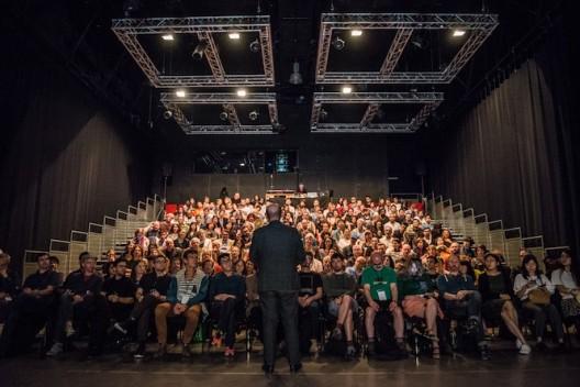 香港城大创意媒体学院去年主办第二十二届国际电子艺术研讨会(ISEA 2016)。 22ndInternational Symposium on Electronic Art(ISEA) 2016 in Hong Kong hosted by the School of Creative Media.