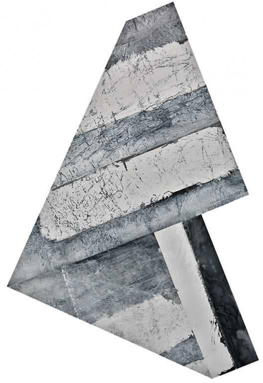 插图24 《折叠的三角》(二〇一二年作,宣纸、墨、丙烯,纵二四三厘米,横一七五厘米),雷澄泉藏。