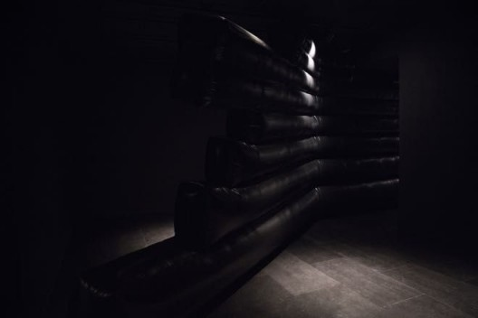 "Jacqueline Kiyomi Gordon, ""Not Exactly B Flat"", 2017 (Courtesy of Empty Gallery) Jacqueline Kiyomi Gordon,《不全是降B调》,2017(图片由Empty Gallery 提供)"