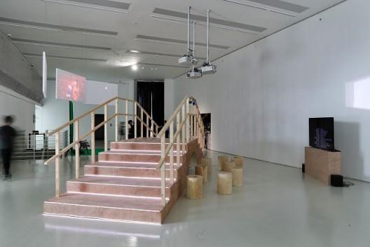 方璐,《影院》(左)和《中国乐园》(右)