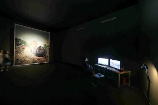 黄静远,《良玉: 三位中国艺术家》,双频影像装置,15分钟,2017