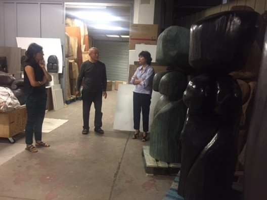 Aline Wang, Wang Keping, Nathalie Obadia during a studio visit, 2017 (image courtesy Galerie Nathalie Obadia)