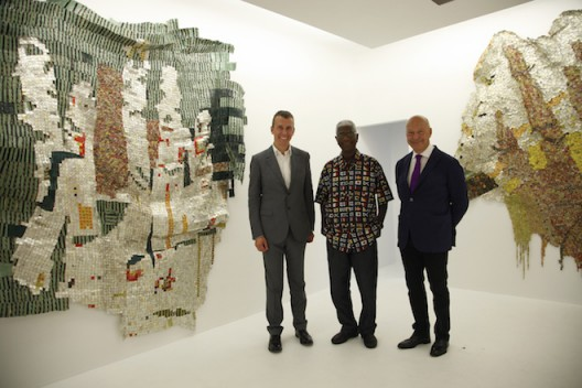El Anatsui with Boris and Axel Vervoordt at Axel Vervoordt Gallery, Hong Kong