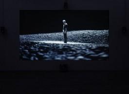 """《中空之地》,蓝光光盘/黑白(部分彩色)/有声(部分无声)/单频道录影/ 61分07秒/循环放映,2017(Courtesy of Long March Space, Photo:Chen You-wei) """"A Field of Non-field"""", Blueray disk/black and white (partly color) /with sound (partly silent)/Single-channel video/61 minutes 07 minutes/on loop, 2017 (Courtesy of Long March Space, Photo:Chen You-wei)"""