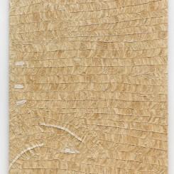 """藤原西芒,《神兽》(欧洲貂皮),2017,木架,皮毛大衣碎片,130 x 95 x 2.6 cm,照片:Roman März © 图片由艺术家及施博尔画廊提供 Simon Fujiwara,""""Fabulous Beasts (European Mink)"""", 2017, Shaved sections of vintage fur coat on wooden stretcher, 130 x 95 x 2.6 cm, Photo: Roman März © courtesy the artist and Esther Schipper (Berlin)"""