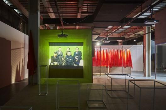 石青《鲁迅动物园》,供图:明当代美术馆