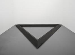 Bruce Nauman, Triangle, 1977-1986, Cast iron, 27 x 500 x 433 cm (10 5/8 x 196 7/8 x 170 1/2 in.) Courtesy the artist and Simon Lee Gallery, London/Hong Kong. © Bruce Nauman.