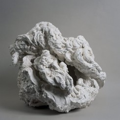 Maggi Hambling, Henrietta eating a meringue, plaster, 51 x 60 x 60 cm, 2001 (image courtesy the artist and Marlborough Gallery)