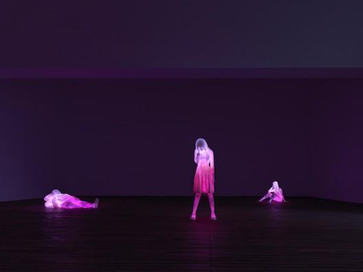 Doug Aitken 3 Modern Figures (don't forget to breathe)