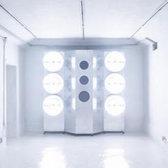Zhang Ding:Safe House #3,audio-visual installation, aluminum plate, aluminum profile, birch board, speaker, power amplifier, frequency divider, LF electrodeless lamp, wire, screw, flash disk, 5-channel sound,200 (H) ×202.4 (W) ×49.2 (L) cm×5 pieces,2018张鼎:《安全屋3#》,灯光声音装置,铝板、铝型材、桦木板、喇叭、功放、分频器、低频无极灯、线材、螺丝、U盘、五声道声音,200(高)×202.4(宽)×49.2(长)厘米×5件,2018年