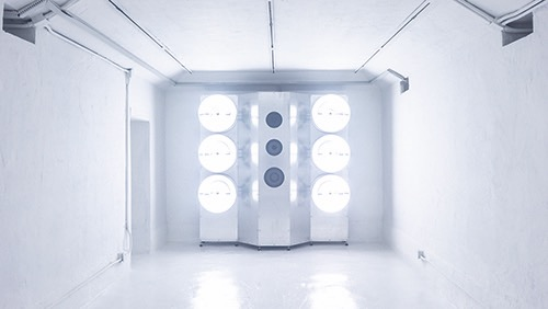 Zhang Ding:Safe House #3,audio-visual installation, aluminum plate, aluminum profile, birch board, speaker, power amplifier, frequency divider, LF electrodeless lamp, wire, screw, flash disk, 5-channel sound,200 (H) ×202.4 (W) ×49.2 (L) cm×5 pieces,2018张鼎:《安全屋3#》,灯光声音装置,铝板、铝型材、桦木板、喇叭、功放、分频器、低频无极灯、线材、螺丝、U盘、五声道声音,200(高)×202.4(宽)×49.2(长)厘米×5件,2018年