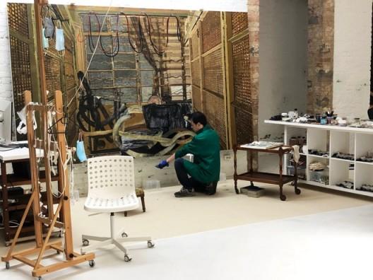 """袁远在柏林工作室准备6月初在香港马凌画廊的 """"Irregular Pearl"""" 展览,2020"""