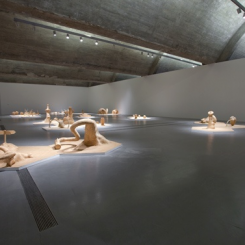 """""""Cell,"""" Installation View (Courtesy of Pace Beijing). 邱志杰 """"细胞"""" 系列场景图, 2011年。"""