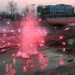 55_li binyuan_spring in the sewer_2'32'_performance on video_2013(4)