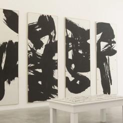 "Installation view, ""Guansha Gathering"", Chambers Fine Art (Beijing), 2013.《冠山风》,展览现场,前波画廊(北京),2013(photo: Chambers Fine Art)"