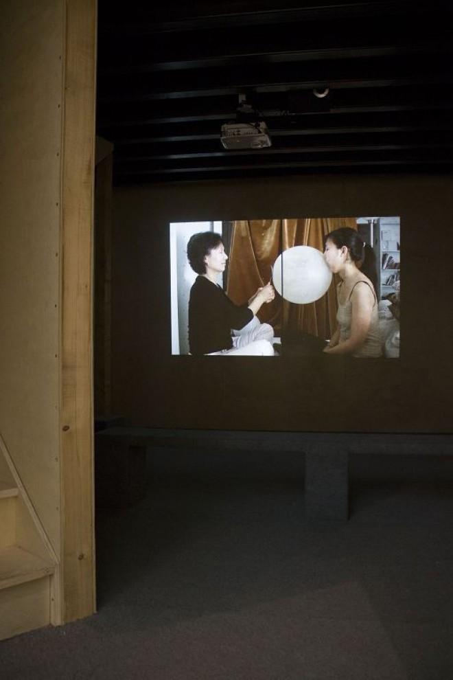 "Yva Jung, ""Two Storey Tower for Two Stories"", Exhibition View, Photo: LIU Yi 郑伊娃,《两个故事的双层塔》,展览现场,摄影:刘一。"