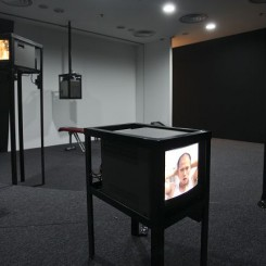 """Gao Mingyan,  """"What Else Can I Do?"""", Solo Project, Alternatives to Ritual, Goethe Open Space, exhibition on site image, 2012高铭研,《我还能做一些什么?》,惯例下的狂欢展览现场照片,歌德开放空间,2012"""