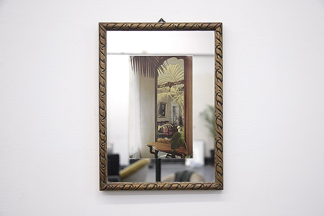 """Hu Yun, """"There is nothing in between"""", color on postcard, antique mirror, 27.8 x 20.8cm, 2014 胡昀,《There is nothing in betwee》,明信片设色,古董镜27.8 x 20.8cm, 2014"""