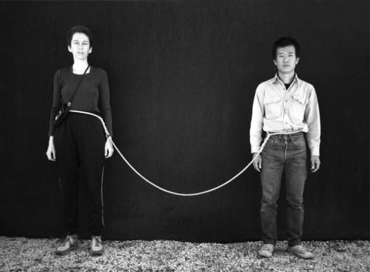 "Tehching Hsieh, Linda Montano, ""Art/Life One Year Performance 1983-1984,""  life image © Tehching Hsieh, Linda Montano謝德慶,Linda Montano,《一年行為表演1983-1984》 © 謝德慶,Linda Montano"