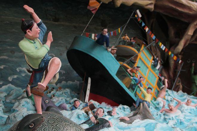 A diorama featuring a traditional Chinese myth at Haw Par Villa (Photo - Ho Rui An)