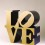 Lot 拍品编号 35 ROBERT INDIANA 罗伯特•印第安纳 (American, B. 1928) Love (Gold/Blue) 《LOVE (金/蓝色)》 polychrome aluminum 彩绘 铝 91.3 x 91.3 x 45.7 cm. (36 x 36 x 18 in.) This work is number five from an edition of six plus four artist's proofs. 版数:编号5(共六版及四个艺术家校本) Conceived in 1966 and executed in 2002 1966 年构思;2002 年作 HK$ 4,000,000- 5,000,000  US$  512,800-  641,000  ©2015 Morgan Art Foundation/Artists Rights Society (ARS), NY.