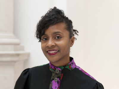 Zoe Whitley Curator, Contemporary British Art at Tate Britain; Curator, International Art at Tate Modern 泰特不列颠当代英国艺术策展人,泰特现代美术馆国际艺术策展人