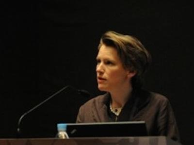 Anaïs Aguerre Head of National & International Strategy, Victoria and Albert Museum 维多利亚和阿尔伯特博物馆国际部主任