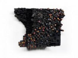 Leonardo Drew(b. 1961),《数字 14C》,2015,木材、颜料和螺丝 ,89 x 64 x 21 cm(35 x 25 x 8 in.)