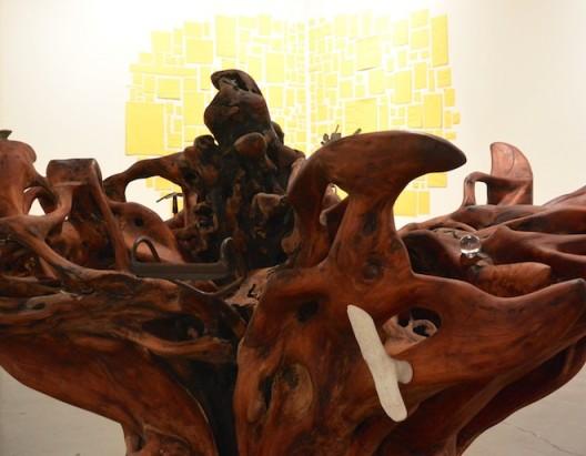 Haegue Yang at Galerie Chantal Crousel. 7. 梁慧圭的树与亚伯拉罕·克鲁兹威力戈斯的绘画,巴黎Chantal Crousel画廊(图片由艺术家和画廊提供,摄影:燃点)