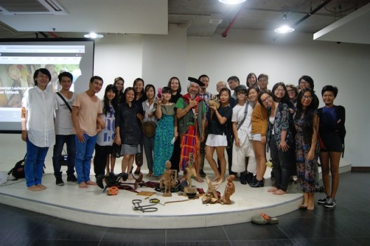 The audience with Filipino film-maker Kidlat Tahimik following his lecture and performance as part of 'Conscious Realities', hosted by Hoa Sen University; November 2014 (image courtesy Sàn Art)