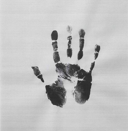 "黎朗,《父亲 1927.12.03-2010.08.27 父亲的手印(右)》,艺术微喷、铅笔书写,哈内姆勒蚀版纸 350g,106.6×108cm, 2015, Ed:1 LI Lang, ""Father 1927.12.03-2010.08.27, My Father's Handprint (Right)"" , Archival Pigment Print with Pencil Writing, Hahnemühleg Etching paper 350g, 106.6×108cm, 2015, Ed.1/1"