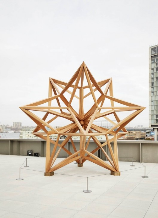 """Frank Stella """"Wooden Star II"""", wood,520 x 520 x 520 cm, 2014.(Courtesy: the artist, Marianne Boesky Gallery, New York, Dominique Lévy Gallery, New York and London, and Sprüth Magers Berlin.© 2015 Frank Stella / Artists Rights Society (ARS), New York)"""