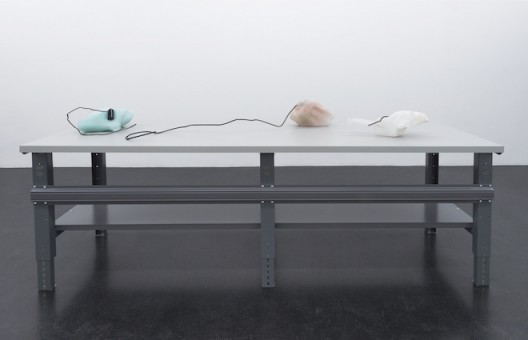 """Valerie Snobeck, """"Reservoirs with Stains, Dust, and Burns (Wedges and Jams)"""", mold blown and hot sculpted glass, 114 × 244 × 76 cm, 2015 (courtesy the artist and Essex Street Gallery) Valerie Snobeck,《储液箱(楔子与塞)》,吹塑模型和热熔玻璃,114 × 244 × 76 cm,,2015(图片由艺术家和Essex Street画廊提供)"""
