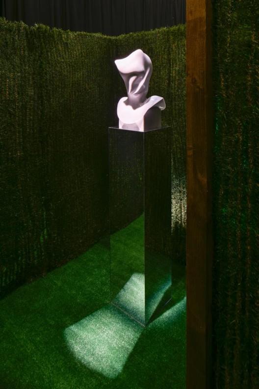 "《 乔恩·拉夫曼》, 扎布罗多维克茨收藏展 现场,伦敦,2015  (摄影:Thierry Bal)/  ""Jon Rafman"", installation view at Zabludowicz Collection, London, 2015 (Photo: Thierry Bal)"