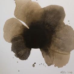 "MaoLizi, ""Ambiguous Flower Series No.3"", oil on canvas, 150 x 150 cm, 2014(courtesy the artist and Pékin Fine Arts)毛栗子(b.1950, 北京,中國),《花非花 No.3》,布面油畫,150 x 150 cm,2014(图片由艺术家和北京藝門提供)"